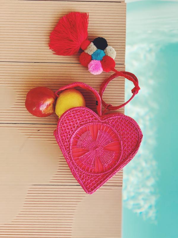 cuore bag rossa in paglia intrecciata