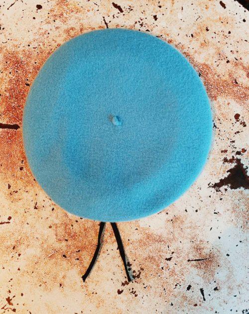 basco azzurro bordo eco pelle