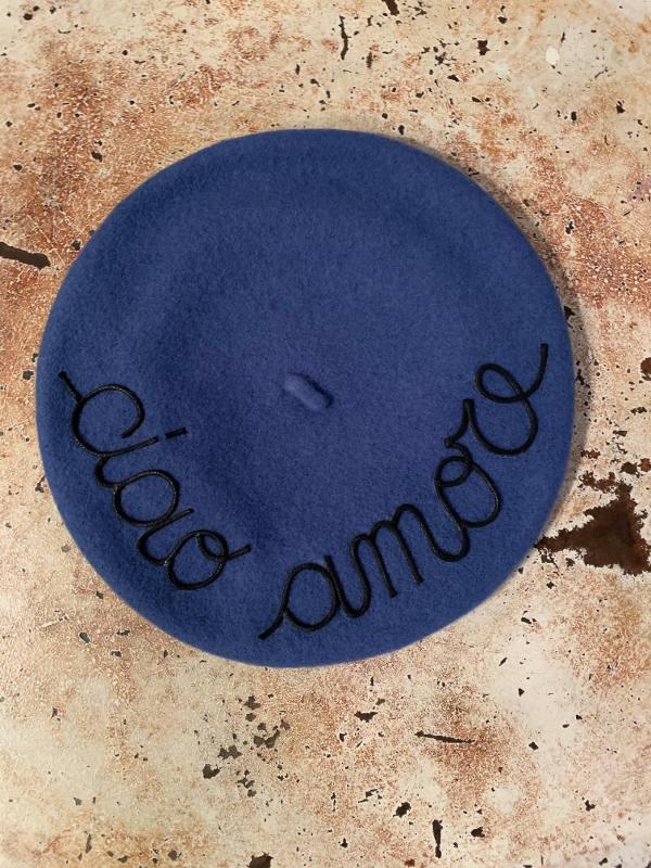basco blu cvon scritta ciao amore