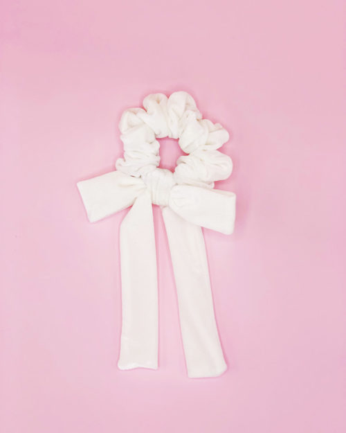 Bow scrunchie, white velvet
