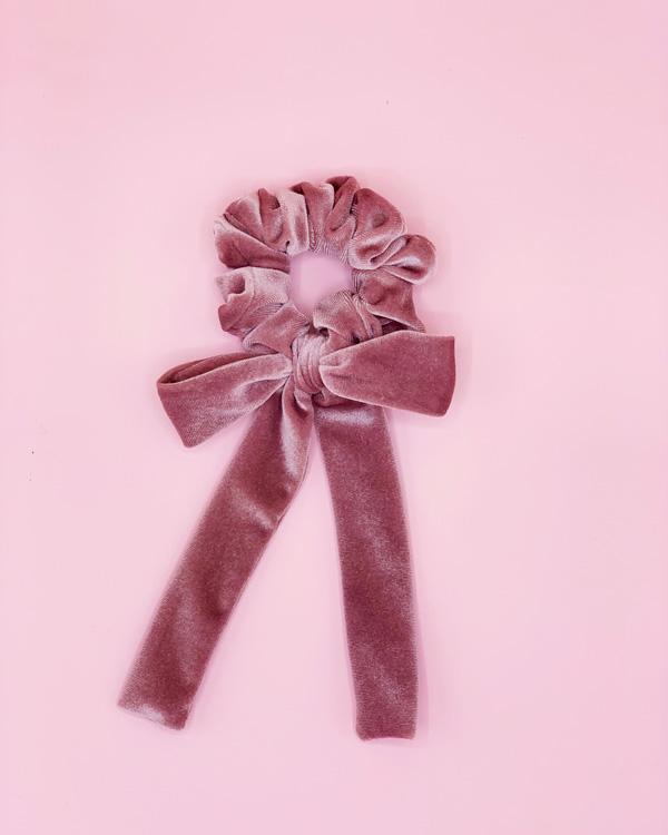 scunchie con fiocco in velluto rosa