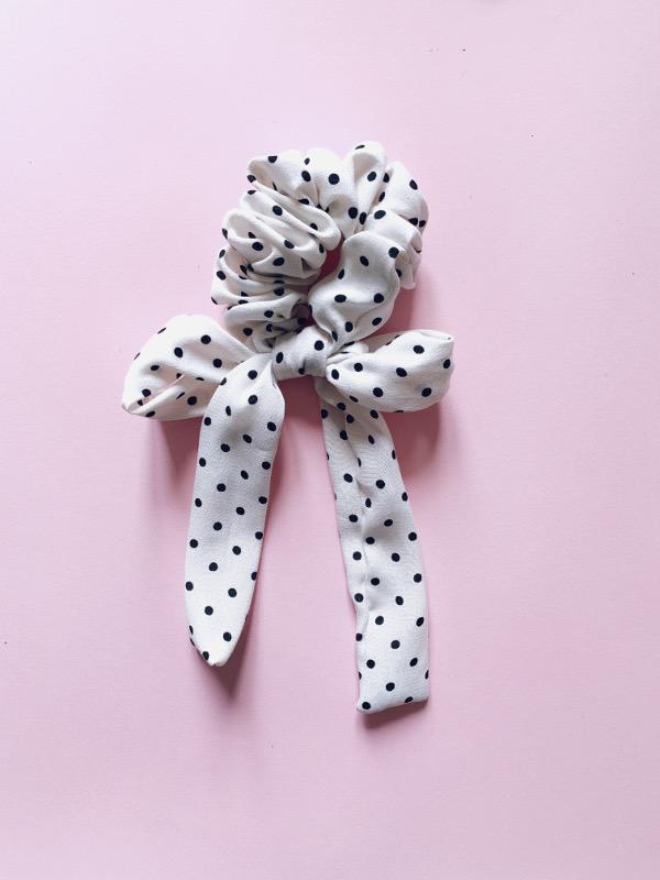 scrunchy polka dot white