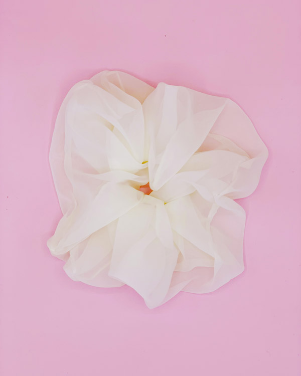 scrunchie oversize bianco in organza